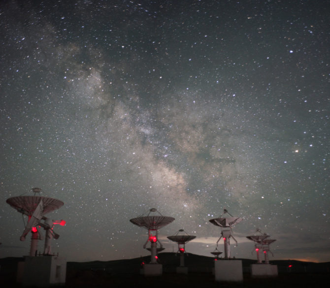 天上银河-中国国家天文台内蒙古明安图观测站 Galaxy in the Sky – China National Observatory Inner Mongolia Ming An Tu Observation Station